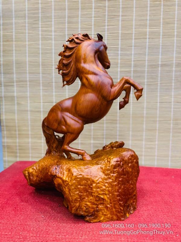 Tượng Ngựa Gỗ Đục Tay để bàn
