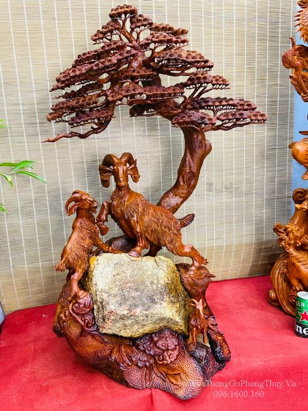 Tượng Dê Gỗ - Tam dương khai thái ôm đá tự nhiên
