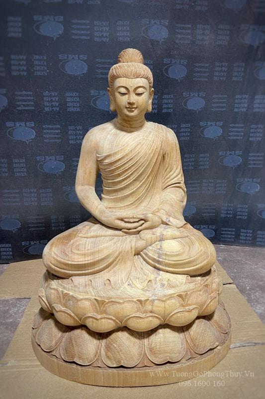 Tượng Phật Thích Ca bằng gỗ đục đẹp chuẩn thờ!